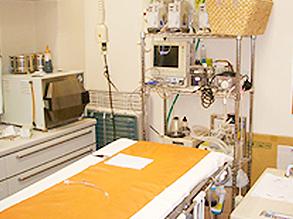 最新の器具などが揃っている手術室です。